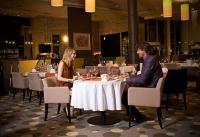 Wellness Hotel Azúr Prémium étterem panorámás kilátással a Balatonra