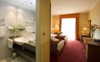 Modern kétágyas szoba a mezőkövesdi Balneo Thermal Hotelben