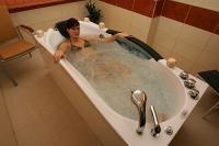 Hydromasszázs a mezőkövesdi Balneo Termál Hotelben wellness hétvégére