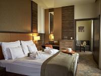 Barack Thermal és Gyógyszálloda elegáns kétágyas szobája Tiszakécskén, akciós áron
