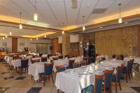 Hotel Aquarell, bővitett svédasztalos reggeli és vacsora az Aquarellben Cegléden