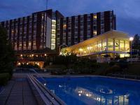 Éjszakai felvétel a hévizi Danubius Health Spa Resort Aqua szállodáról