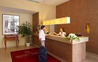 Erzsébet Királyné Hotel recepciója Gödöllőn online szobafoglalással a Hungaroring közelében