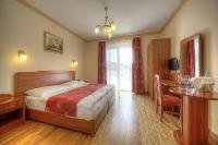 Fried Kastély Hotel romantikus kétágyas szobákkal várja vendégeit Simontornyán