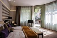 Grand Hotel Glorius**** elegáns hotelszobája Makón akciós áron
