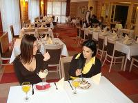 Esküvő helyszin a Dráva Hotelben Harkányban romantikus környezetben