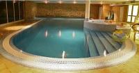 Úszómedence a tihanyi Echo Residence All Suite Luxury Hotelben