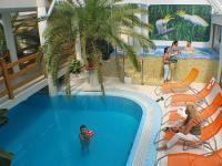 Wellness Hotel Kakadu*** beltéri fűtött medencéje Keszthelyen