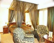 Duna Relax Felnőtt Wellness Hotel**** elegáns és romantikus baldachinos szobája