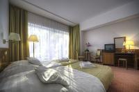 Családi üdülés a Balatonnál, Wellness és Konferencia szálloda Balatonszárszón, Két Korona Wellness és Konferencia szálloda Balatonszárszó