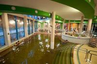 Wellness hétvége a Hotel Royalban Cserkeszőlőn, fürdőbelépővel