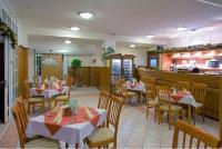 3* Thermal Hotel Mosonmagyaróvár étterme tele finomságokkal