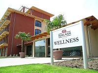 Hotel Azúr konferencia és wellness hotel Siófok  Hotel Azúr Siófok - balatoni wellness Hotel Azúr Siófokon akciós áron félpanzióval - Siófok