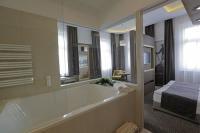 Jakuzzis hotelszoba Baján a Duna Wellness Hotelben